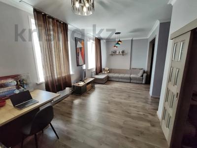 2-комнатная квартира, 62 м², 9/12 этаж, Керей, Жәнібек хандар 28 за 25.5 млн 〒 в Нур-Султане (Астана), Есиль р-н — фото 3