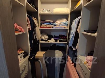 2-комнатная квартира, 62 м², 9/12 этаж, Керей, Жәнібек хандар 28 за 25.5 млн 〒 в Нур-Султане (Астана), Есиль р-н — фото 9