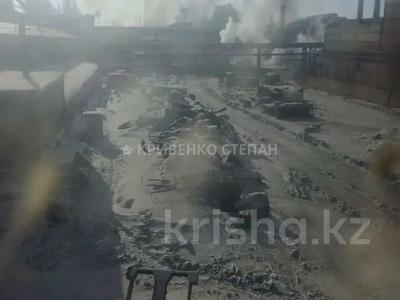 Промбаза 12 соток, Республики 1/12 за 150 млн 〒 в Темиртау — фото 12