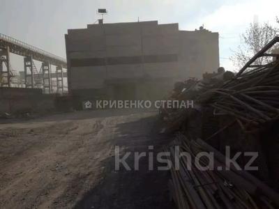 Промбаза 12 соток, Республики 1/12 за 150 млн 〒 в Темиртау — фото 18