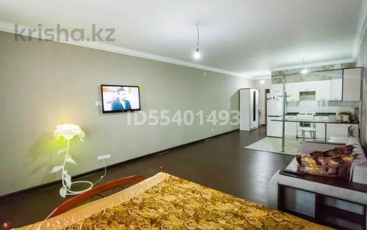 1-комнатная квартира, 45 м², 5 этаж по часам, Момышулы 15/2 за 1 000 〒 в Нур-Султане (Астана), Алматы р-н