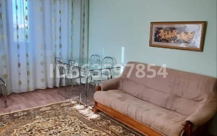 2-комнатная квартира, 46 м², 4/5 этаж помесячно, Азаттык 60 за 100 000 〒 в Атырау