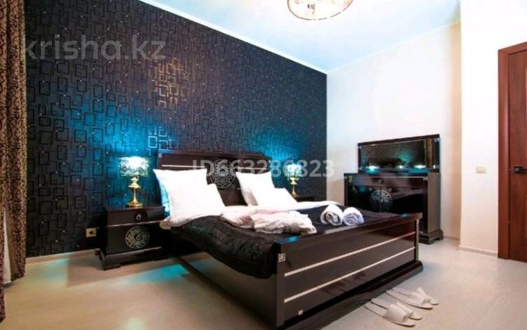 3-комнатная квартира, 130 м², 20/41 этаж посуточно, Достык 5/1 — Сауран за 22 000 〒 в Нур-Султане (Астана), Есиль р-н