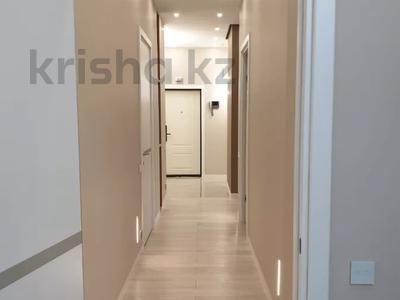3-комнатная квартира, 100 м², 7/9 этаж помесячно, A33 6 — Шамши Калдаякова за 300 000 〒 в Нур-Султане (Астана), Алматы р-н — фото 13