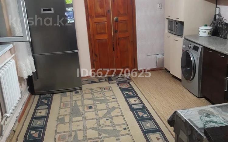4-комнатный дом, 68 м², 4 сот., Учительская 28 за 25 млн 〒 в Алматы, Медеуский р-н