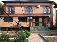 5-комнатный дом, 206 м², 6 сот., Цветочный 7/2 — Гоголя и абая за 120 млн 〒 в Караганде, Казыбек би р-н