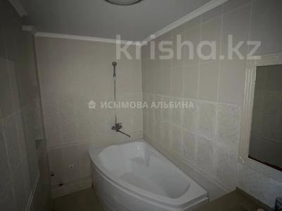 3-комнатная квартира, 115 м², 9/16 этаж, Просп. Республики 42 за 37 млн 〒 в Караганде, Казыбек би р-н — фото 12