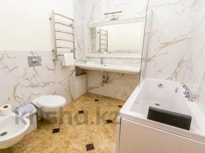 3-комнатная квартира, 110 м², 4/30 этаж посуточно, Аль-Фараби 21 за 40 000 〒 в Алматы — фото 25