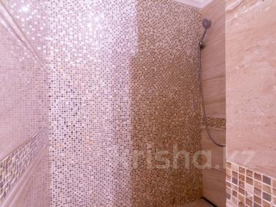 3-комнатная квартира, 110 м², 4/30 этаж посуточно, Аль-Фараби 21 за 40 000 〒 в Алматы — фото 31