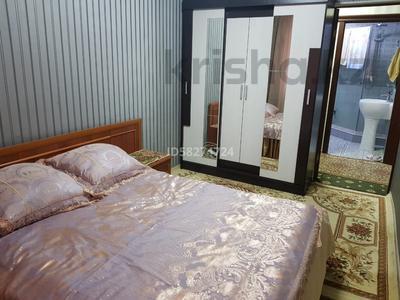 3-комнатная квартира, 62 м², 1/5 этаж посуточно, Мкр Каратау за 10 000 〒 в Таразе — фото 3