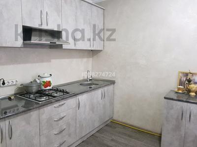 3-комнатная квартира, 62 м², 1/5 этаж посуточно, Мкр Каратау за 10 000 〒 в Таразе — фото 6