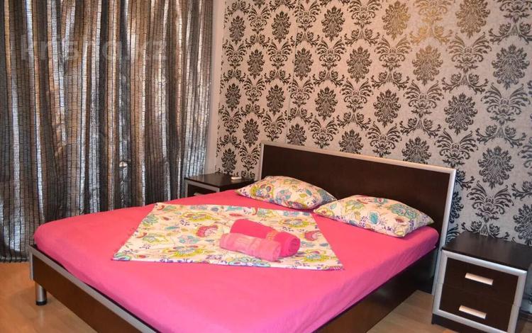 2-комнатная квартира, 70 м², 1/9 этаж помесячно, Сатпаева 5б за 150 000 〒 в Атырау