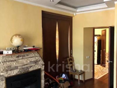 3-комнатная квартира, 80 м², 1/3 этаж, Досмухамедова — Гоголя за 35 млн 〒 в Алматы, Алмалинский р-н