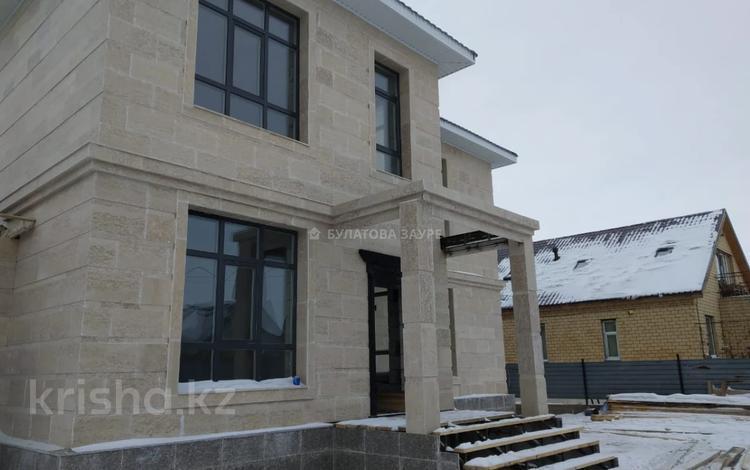 7-комнатный дом, 320 м², 10 сот., Науырызбай батыр 6 за ~ 78 млн 〒 в Нур-Султане (Астана), Есиль р-н