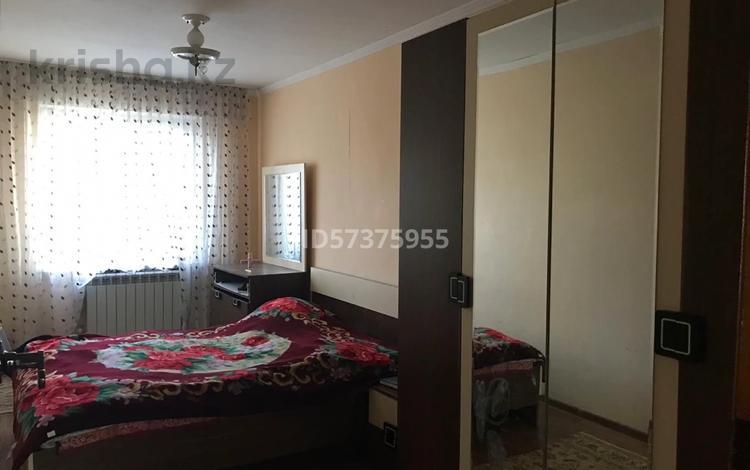 5-комнатная квартира, 90.1 м², 2/5 этаж, Жандосова 2 — Байтурсынова за 20 млн 〒 в Шымкенте, Аль-Фарабийский р-н