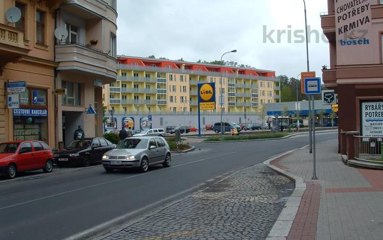 2-комнатная квартира, 106 м², 2/5 этаж, Jatecni 2121/6 — Vitezna за 68 млн 〒 в Карловых Вары