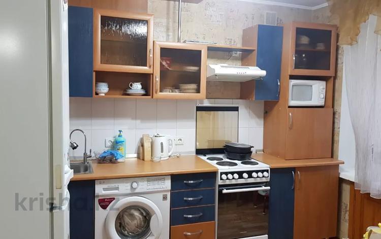 3-комнатная квартира, 65 м², 3 этаж помесячно, проспект Ауэзова 4/1 за 150 000 〒 в Усть-Каменогорске
