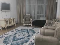 2-комнатная квартира, 90 м², 11/25 этаж посуточно, мкр 11 112Б — проспект Абылхайырхана за 17 000 〒 в Актобе, мкр 11