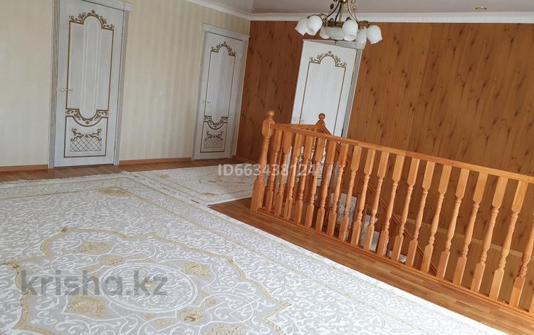 5-комнатный дом, 220 м², 8 сот., мкр Нурсая, Нурсая 3 за 65 млн 〒 в Атырау, мкр Нурсая