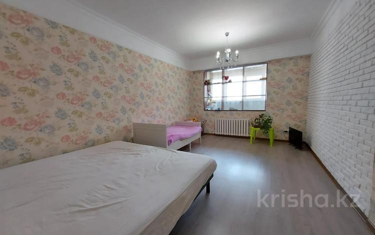 1-комнатная квартира, 45 м², 4/9 этаж, Толе би 11а за 23 млн 〒 в Алматы, Ауэзовский р-н