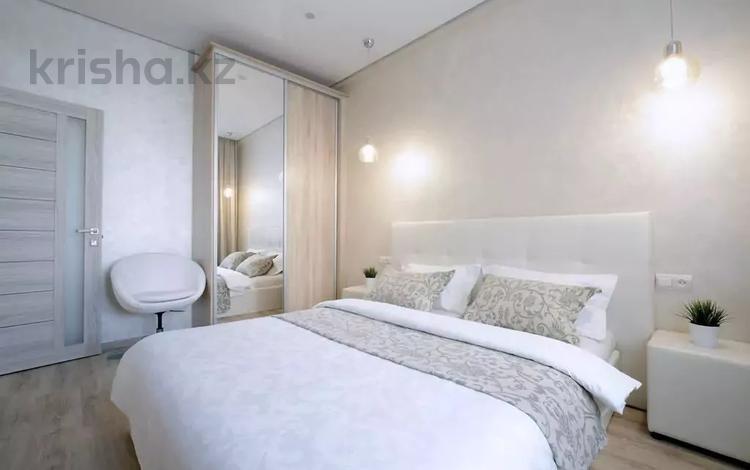 3-комнатная квартира, 100 м², 6 этаж помесячно, Навои 70 за 250 000 〒 в Алматы, Бостандыкский р-н