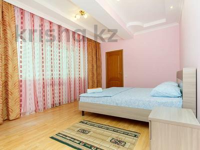 3-комнатная квартира, 120 м², 5 этаж посуточно, Достык 5/1 за 20 000 〒 в Нур-Султане (Астана), Есиль р-н — фото 10