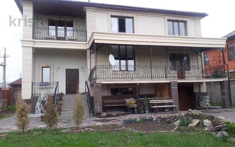 8-комнатный дом, 500 м², Кыз Жибек за 220 млн 〒 в Нур-Султане (Астана), Есиль р-н