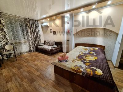 1-комнатная квартира, 38 м², 3/5 этаж посуточно, Катаева 11 за 6 000 〒 в Павлодаре