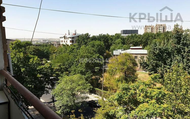 3-комнатная квартира, 60 м², 5/5 этаж, Байтурсынова 2 — Туркестанская за 20.5 млн 〒 в Шымкенте