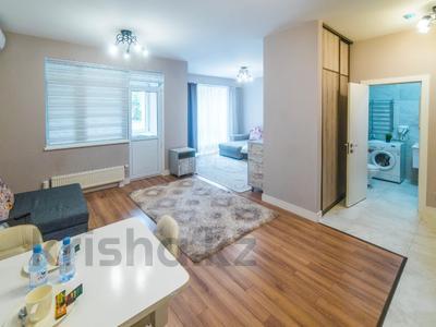 1-комнатная квартира, 50 м², 2/16 этаж посуточно, Брауна 20 за 16 000 〒 в Алматы