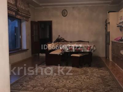 4-комнатный дом, 200 м², 6 сот., 11-й микрорайон, Сайрамская 159а — Уалиханова за 31 млн 〒 в Шымкенте, Енбекшинский р-н