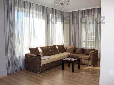 2-комнатная квартира, 74 м², 6/7 этаж посуточно, Кабанбай батыра 60/3 за 15 000 〒 в Нур-Султане (Астана), Есиль р-н — фото 3