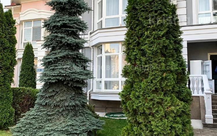 7-комнатный дом помесячно, 500 м², 4 сот., проспект Достык — Оспанова за 2.3 млн 〒 в Алматы, Медеуский р-н
