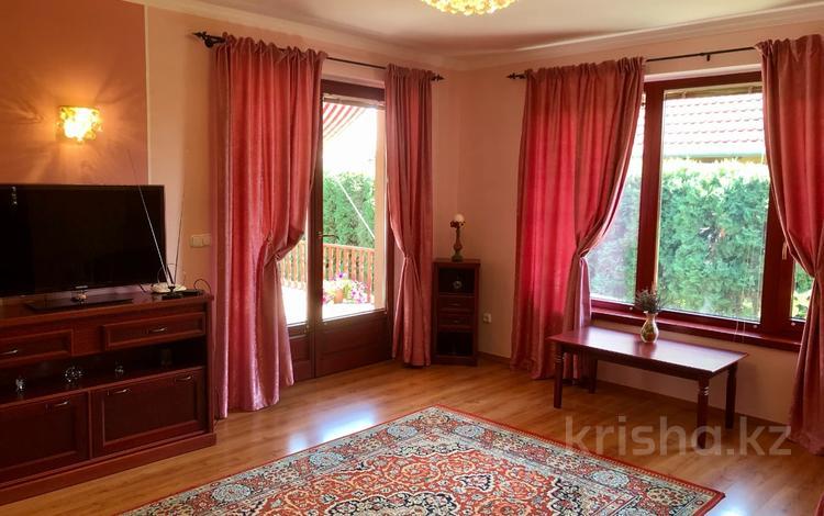 4-комнатный дом, 150 м², 12.5 сот., Балатон хевиз за ~ 110.8 млн 〒 в Будапеште