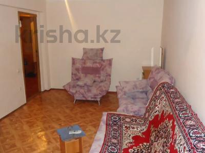 3-комнатная квартира, 70 м², 5/5 этаж помесячно, Авангард-4 18 за 100 000 〒 в Атырау, Авангард-4