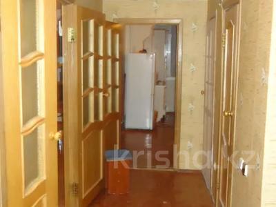 3-комнатная квартира, 70 м², 5/5 этаж помесячно, Авангард-4 18 за 100 000 〒 в Атырау, Авангард-4 — фото 10