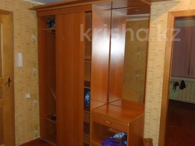 3-комнатная квартира, 70 м², 5/5 этаж помесячно, Авангард-4 18 за 100 000 〒 в Атырау, Авангард-4 — фото 8