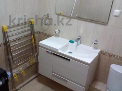 3-комнатная квартира, 150 м², 36/36 этаж посуточно, Достык 5 — Сауран за 16 000 〒 в Нур-Султане (Астана), Есиль р-н — фото 9
