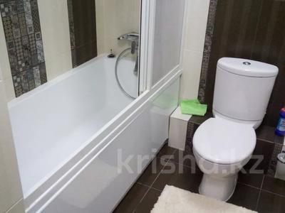 3-комнатная квартира, 150 м², 36/36 этаж посуточно, Достык 5 — Сауран за 16 000 〒 в Нур-Султане (Астана), Есиль р-н — фото 10