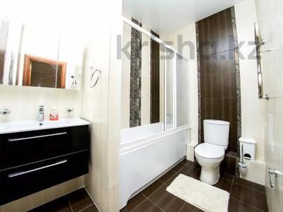 3-комнатная квартира, 150 м², 36/36 этаж посуточно, Достык 5 — Сауран за 16 000 〒 в Нур-Султане (Астана), Есиль р-н — фото 7