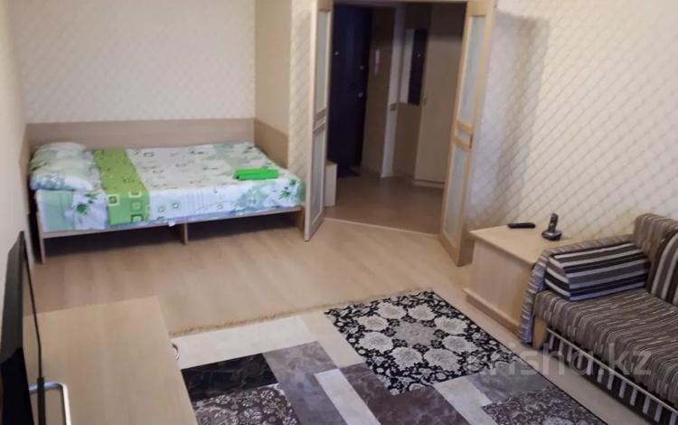1-комнатная квартира, 50 м², 6/9 этаж посуточно, Иманбаева 3 — Рамазан за 8 000 〒 в Нур-Султане (Астана), р-н Байконур