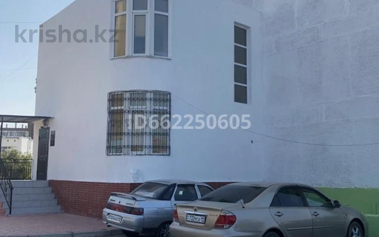 Помещение площадью 184 м², 8-й мкр 27 за 65 млн 〒 в Актау, 8-й мкр