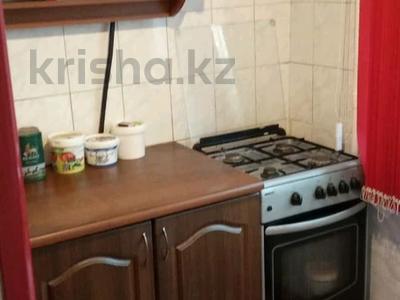 2-комнатная квартира, 45 м², 2/4 этаж помесячно, мкр №1 48 — Улугбека за 100 000 〒 в Алматы, Ауэзовский р-н — фото 2