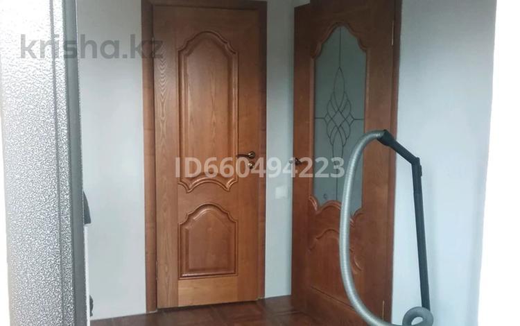"""3-комнатный дом, 250 м², 10 сот., 12 """"А""""микр за 17 млн 〒 в Капчагае"""