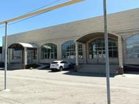 Здание, площадью 2574.3 м²