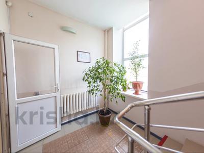 Помещение площадью 842 м², Омарова 10 за 299 млн 〒 в Нур-Султане (Астане), р-н Байконур