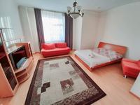 1-комнатная квартира, 45 м², 6/10 этаж посуточно, Сарайшык 34 — Акмешит за 8 000 〒 в Нур-Султане (Астана), Есиль р-н