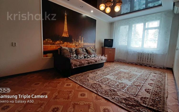2-комнатная квартира, 45 м², 4/5 этаж, улица Сергея Тюленина 50/1 — Шолохова за 10.5 млн 〒 в Уральске