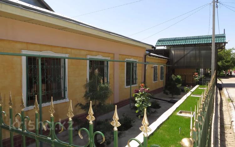 7-комнатный дом, 180 м², 8 сот., Ахметова 3 — Абдухалыкова за ~ 29 млн 〒 в Сарыагаш