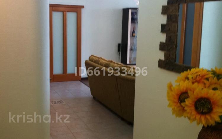 2-комнатная квартира, 105 м², 6/8 этаж помесячно, 14-й мкр 59 за 300 000 〒 в Актау, 14-й мкр